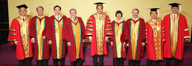 教院颁授荣誉博士学位予五位杰出人士
